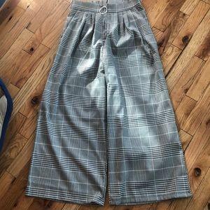 NWT: Plaid print wide leg cropped slacks